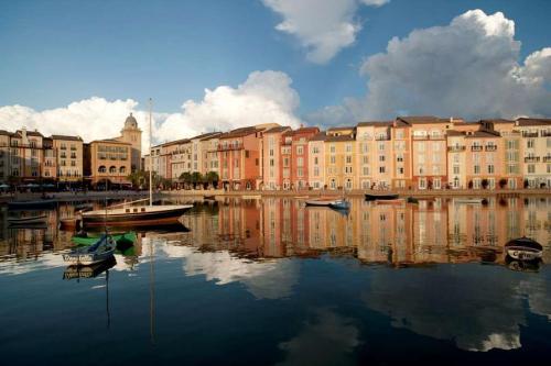 69481597-Universals-Loews-Portofino-Bay-Hotel-Hotel-Exterior-1-RTS
